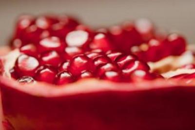 pomegranate--food_19-128246