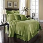 枕とベッドの方角は運気を左右する